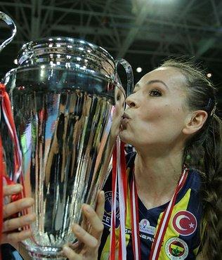 Fenerbahçe Eda Erdem Dündar'ın sözleşmesini uzattı