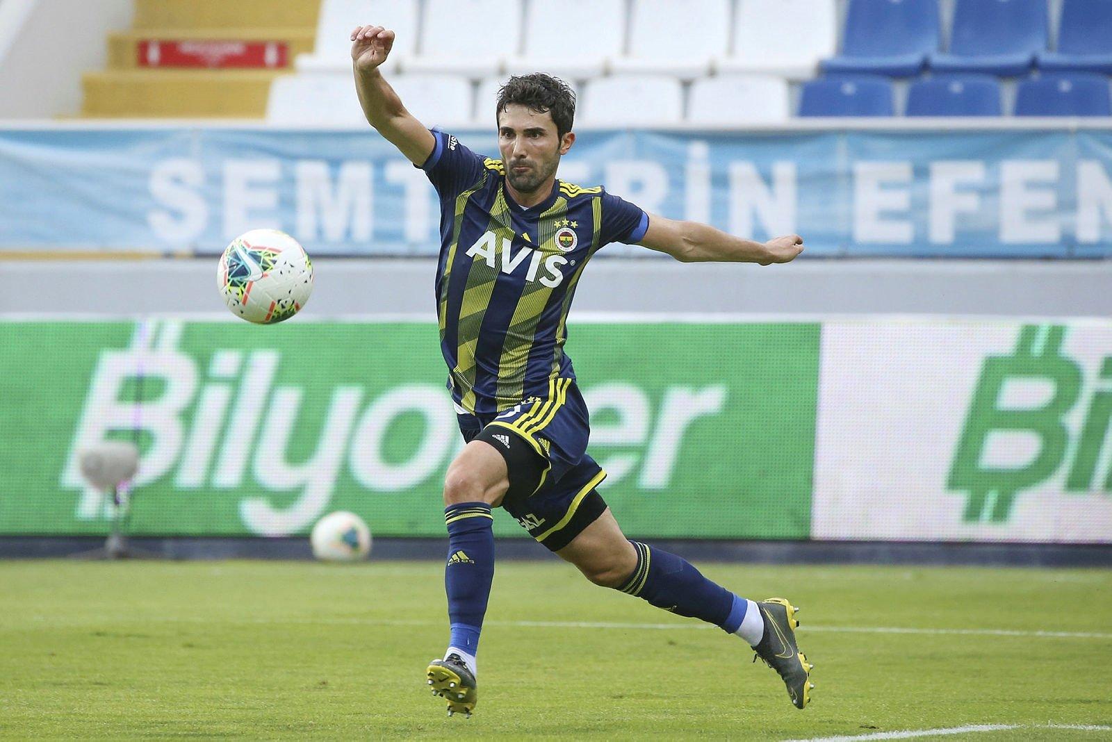 Galatasaray'ın da ilgilendiği Hasan Ali Kaldırım Başakşehir'e daha yakın! - Futbol -