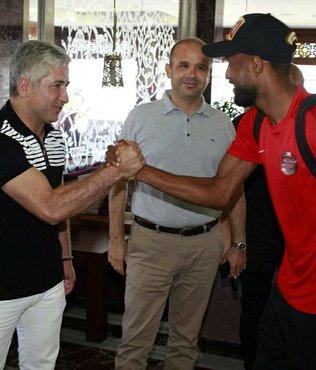 Antalyaspor, kamp için Hollanda'ya gitti