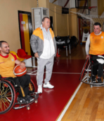 Terim'den tekerlekli sandalye basketbol takımına ziyaret