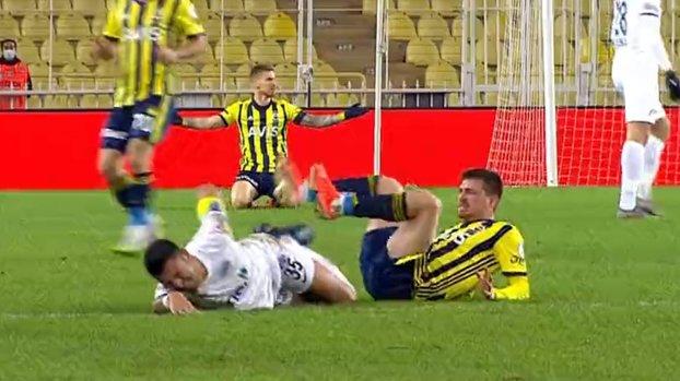 Mert Hakan Yandaş saw a red card in the Kasımpaşa match in Fenerbahçe #
