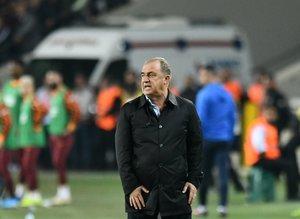 Galatasaray'ın yıldızına mesaj iletildi: Kendinize kulüp bulun!