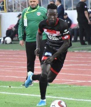 Trabzonspor transferde hızlı! Aly Malle kimdir? Boyu ve yaşı kaç? Hangi pozisyonda oynuyor?