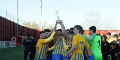 """İlhan Cavcav anısına düzenlenen """"İlhan Ağabey Futbol Turnuvası"""" sona erdi"""