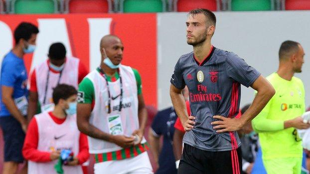 Galatasaray genç stoperi kiralamak için Benfica ile görüşmelere başladı! #