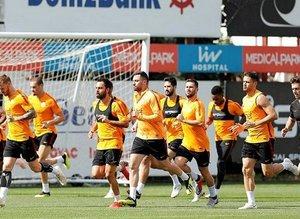 Galatasaray'da maaş krizi! Yerliler isyanda...