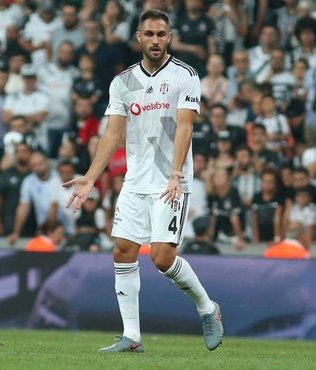 Beşiktaş'ta son dakika... Victor Ruiz 1 ay sahalaradan uzak kalacak