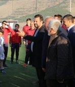 Uygun futbol akademisini ziyaret etti