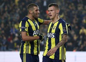 Fenerbahçe taraftarı Slimani'ye ateş püskürüyor!
