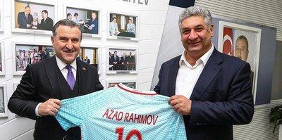 Spor Bakanı Bak, Bakü'de futbol turnuvası izledi