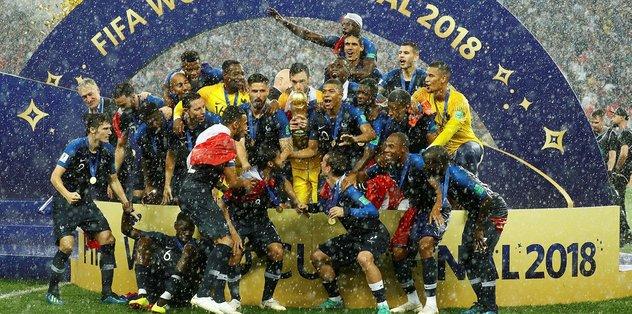 Fransa Milli Takımı futbolcusu, Dünya Kupası madalyasını açık artırmada sattı