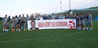 trabzonsporda baskan ahmet agaoglunun babalar gunu kutlandi 1592753828074 - Trabzonspor'da kaptan Sosa Alanya kamp kadrosunda yer aldı