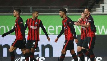 Frankfurt Schalke'ye acımadı! Ozan Kabak...