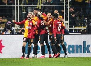 Galatasaray'da karar verildi! Hem sözleşmesi uzatılacak hem de...