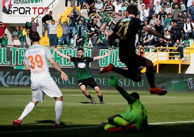 Akhisar - Başakşehir maçından kareler