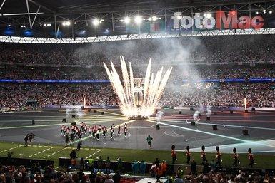 İtalya - İngiltere maçı öncesi Wembley rengarenk! EURO 2020 kapanışı böyle oldu