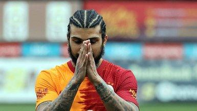 Galatasaray'da Yedlin'e tebrik!
