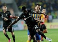 Diaby Beşiktaş taraftarını çileden çıkardı!