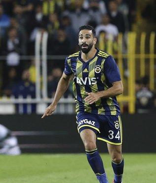 Fenerbahçeli Adil Rami için transfer çılgınlığı! 2 talip...