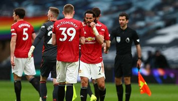 M. United Tottenham'ı 3 golle devirdi!