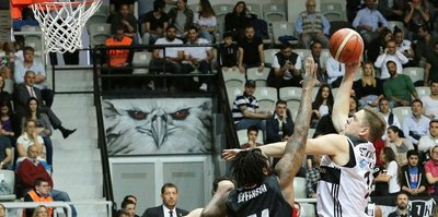 Beşiktaş seride öne geçti