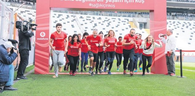 Vodafone Park'ta ünlüler yarıştı
