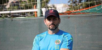 Alanyaspor'un teknik direktörü Erol Bulut: Zor bir sürece girdik