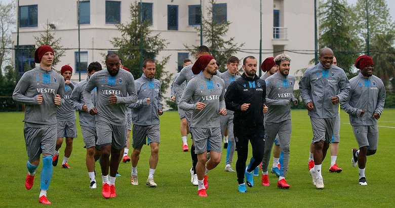 Trabzonspor çalışmalara başladı! İşte antrenmandan görüntüler...