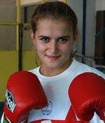 Milli boksör Esra'nın hedefi 2020 Olimpiyatları