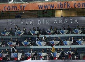 Beşiktaş maçında sevgililer gününe özel tribün