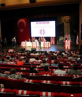 """Ali Şafak Öztürk: """"Amacımız Antalyaspor'u ele geçirmek değil"""""""