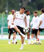 Beşiktaş'ta Babel ve Medel sağlık kontrolünden geçirildi