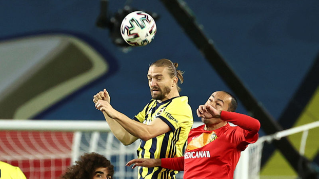 Flash criticism from Erman Toroğlu to Caner Erkin!  Playing to himself, not to the team |  Last minute Fenerbahce - Yeni Malatyaspor news #