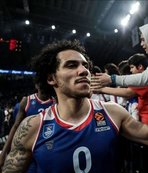 Anadolu Efes superstar Larkin named MVP for 2nd time