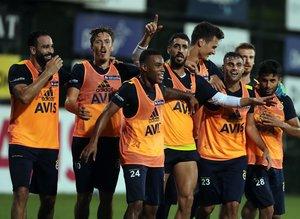 Fenerbahçe'de yıldız isim ayrılmak istiyor! Sezon başına gelmişti...