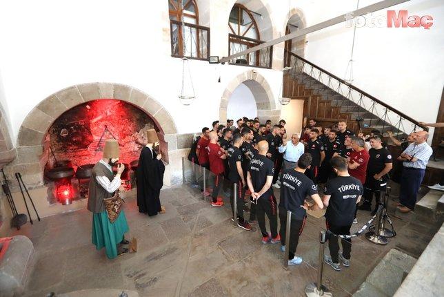 A Milli Takım, Mevlana Müzesi'ni ziyaret etti