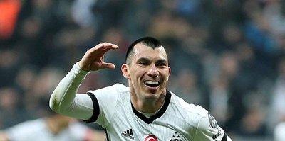 Beşiktaş Medel için 4 milyon euroyu reddetti