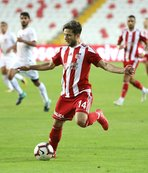Sivasspor İlker Sayan ile sözleşme imzaladı