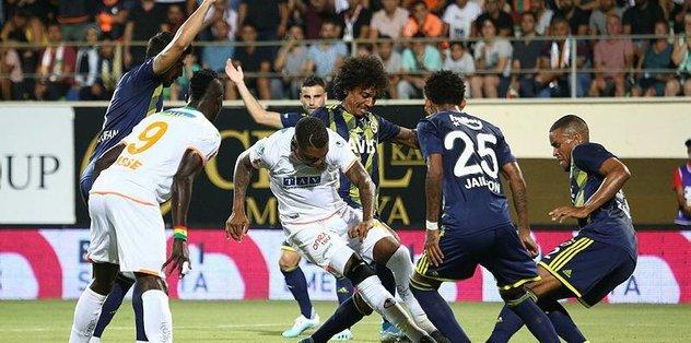 Fenerbahçe'de savunma tel tel döküldü