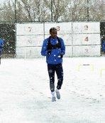 Erzurumspor kar yağışı altında çalıştı