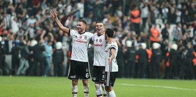 Beşiktaş'ın defans hattı golcülerle yarışıyor