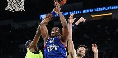 Anadolu Efes stuns Barcelona in EuroLeague play