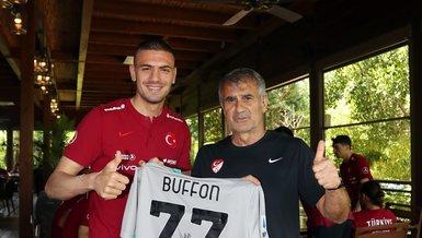 Son dakika spor haberi: Gianluigi Buffon Şenol Güneş'e imzalı forma gönderdi