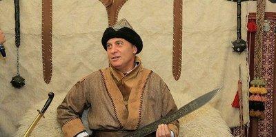 Başkan Orman kılıç kuşandı!