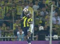 Fenerbahçe'nin penaltı beklediği pozisyon! Aydınus VAR'a gitmedi