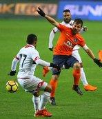 Başakşehir liderliği Galatasaray'a bıraktı