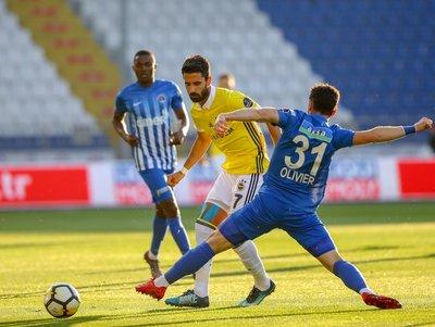 Kasımpaşa-Fenerbahçe mücadelesinden kareler