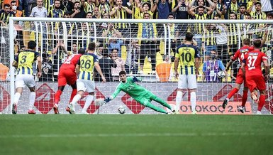 Fenerbahçe'de Vitor Pereira Altay Bayındır'a bu sözlerle sahip çıktı!