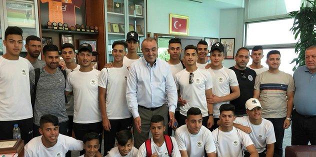 Abdurrahim Albayrak, Filistin kulübünü misafir etti