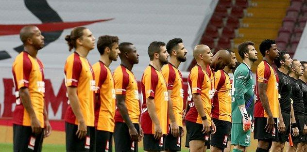 Galatasaray'da scout ekibi sınıfı geçemedi! İki isimde...